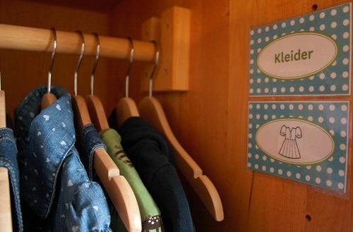 Kinderkleidung_in_Ordnung